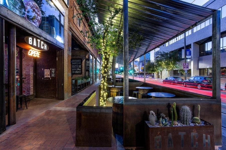 Batch Cafe & Bar