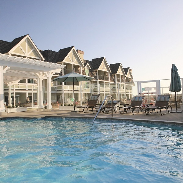 Laid-Back Getaway at the Carlsbad Inn Beach Resort