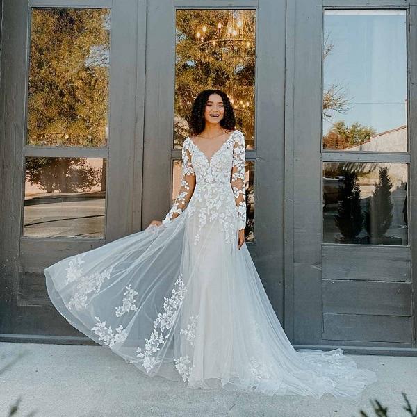 Posh Brides & Grooms Dresses Up Carlsbad Village