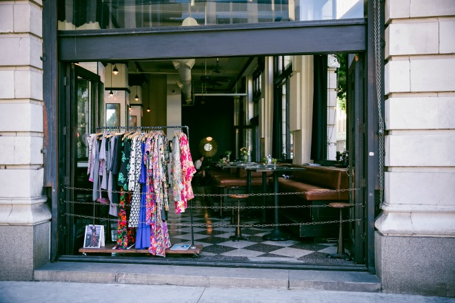 FAQ: What are the Fashion District Hours?