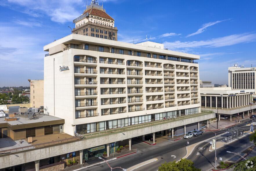 Radisson Hotel (1055 Van Ness)