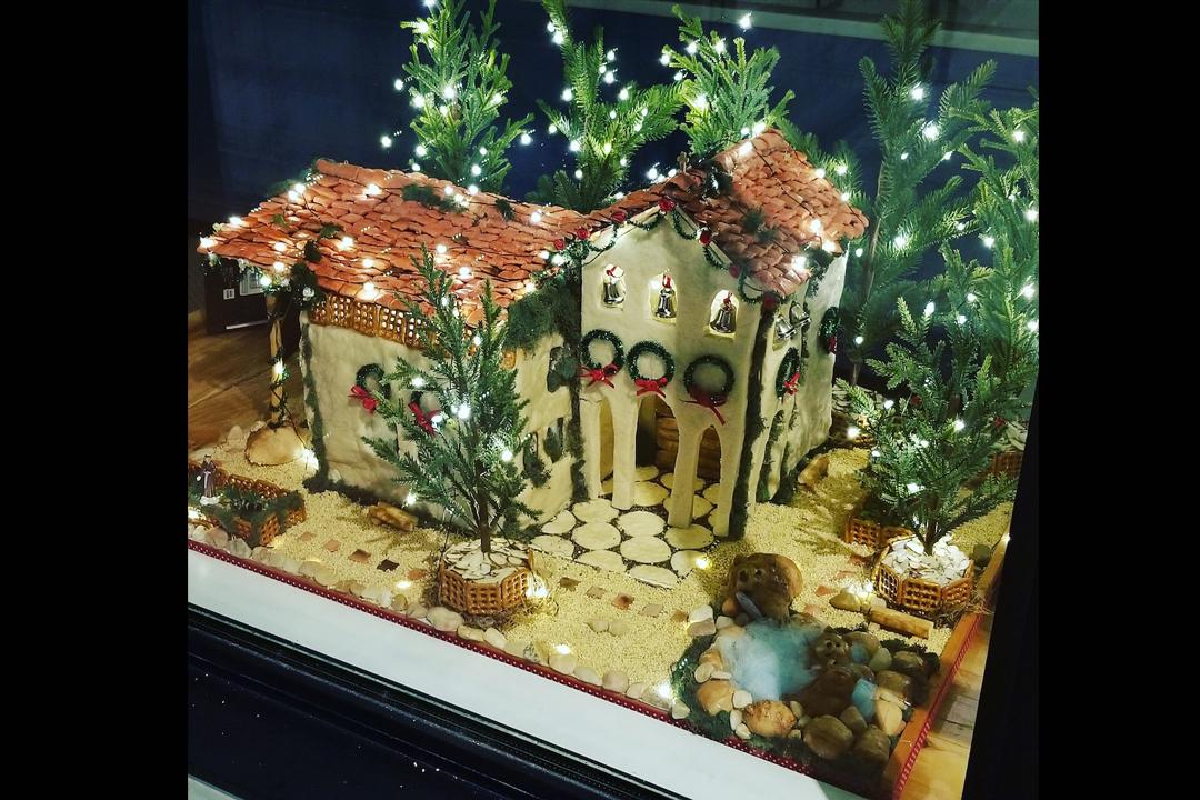 Joliene Bakery - Holiday Window Showcase 2020