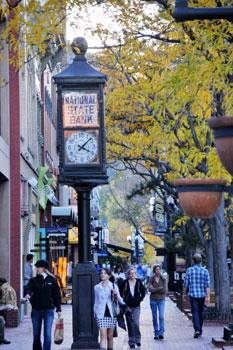 Pearl Street Clock