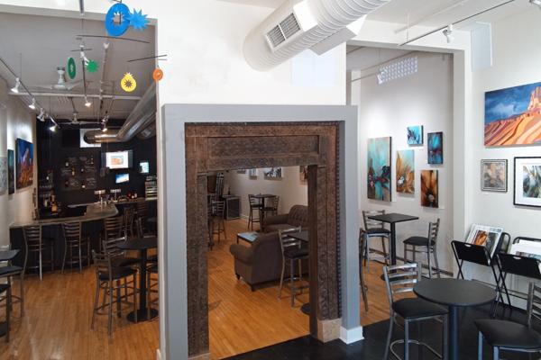 R Gallery & Art Bar