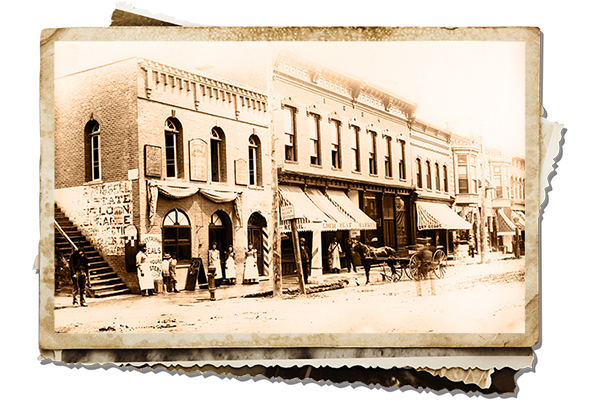 Old photograph of pearl street