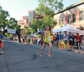 Pearl Street Mile - Girl Running