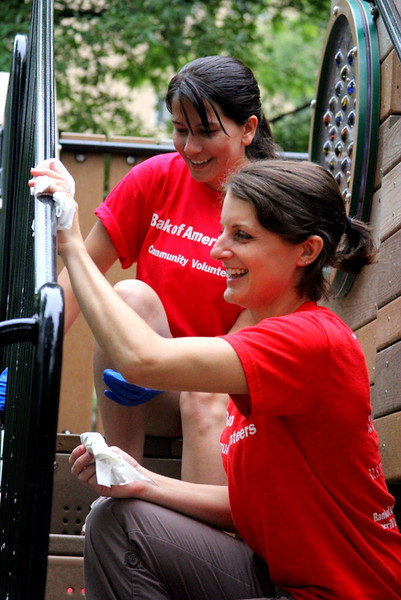 Helping Hands Of America Official Site >> Bank of America Lends Helping Hands for Newly-Installed ...