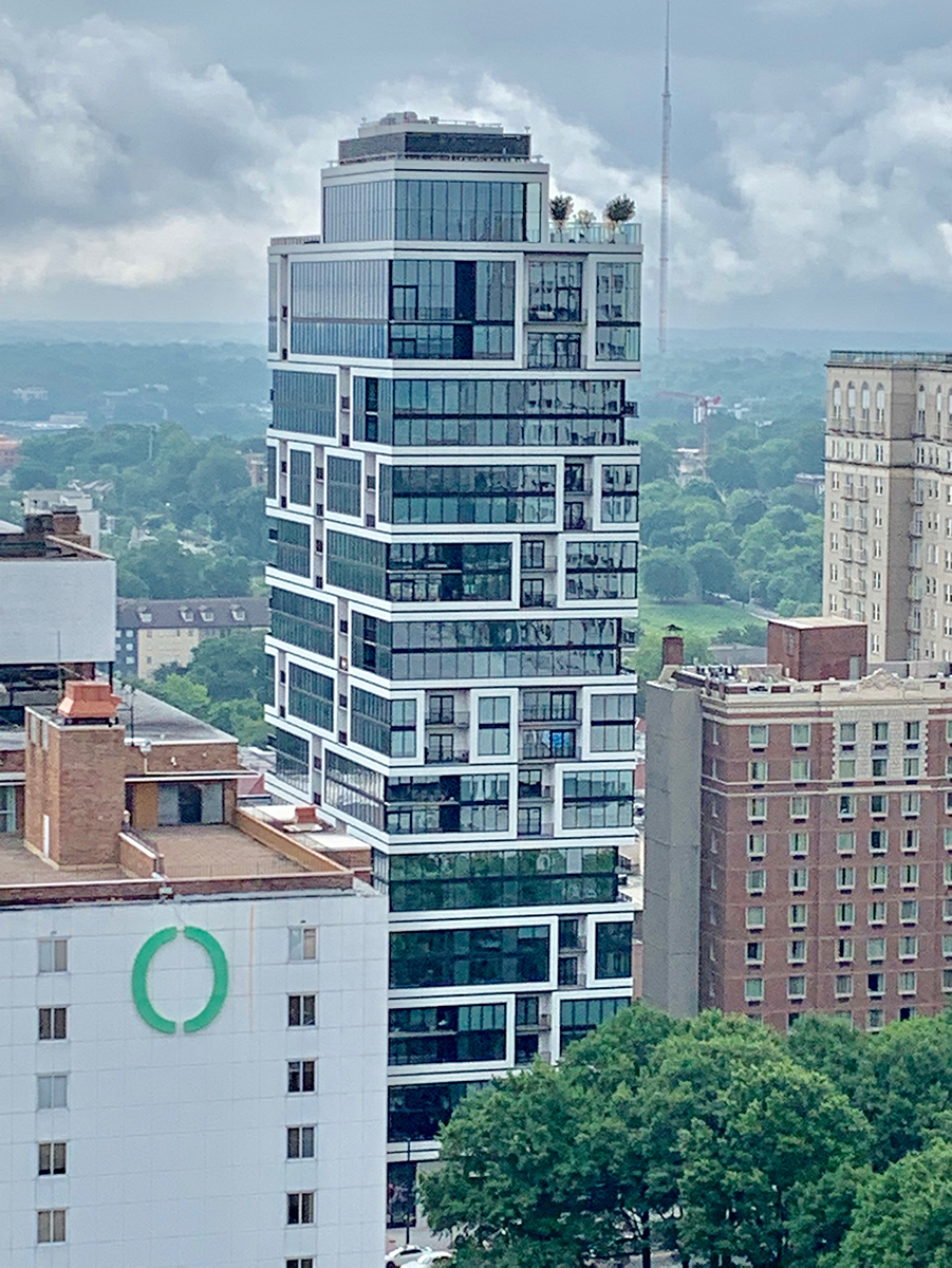 JPX Works' lilli Midtown, a 24-story apartment tower designed by architecture firm ODA, was recognized for Excellence In Housing Development.
