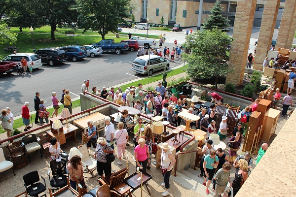 Sidewalk Sale Crosleys Multiply In Rochester: Charter House Sidewalk Sale