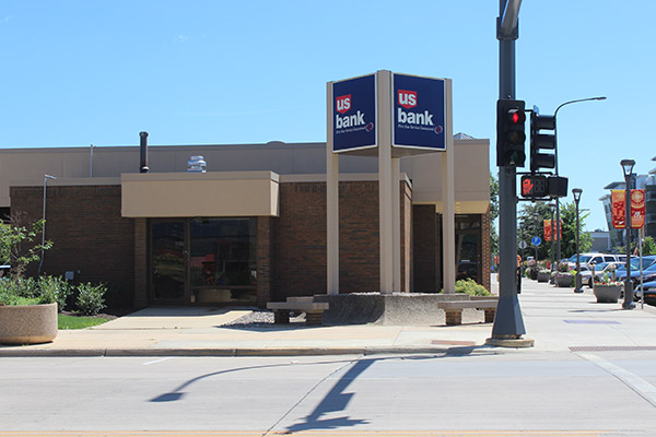 U.S. Bank - 4th Street Office
