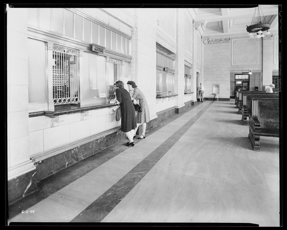2 Burlington Northern Railroad Depot Lincoln Station