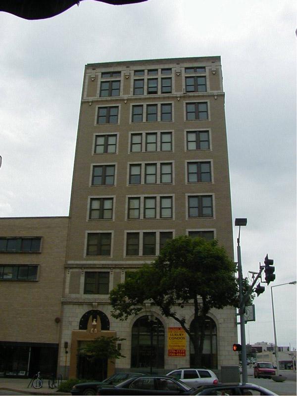 Lincoln Building Condo / Apartments