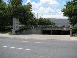 Hilton Hotel & Walk of Fame Park Garage