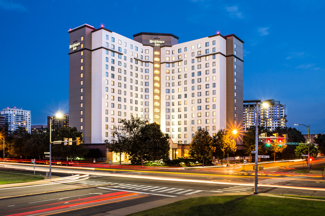 Renaissance Arlington Capital View Hotel 2