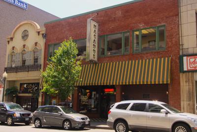Macados Downtown Roanoke VA