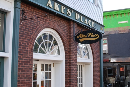 Akes' Place