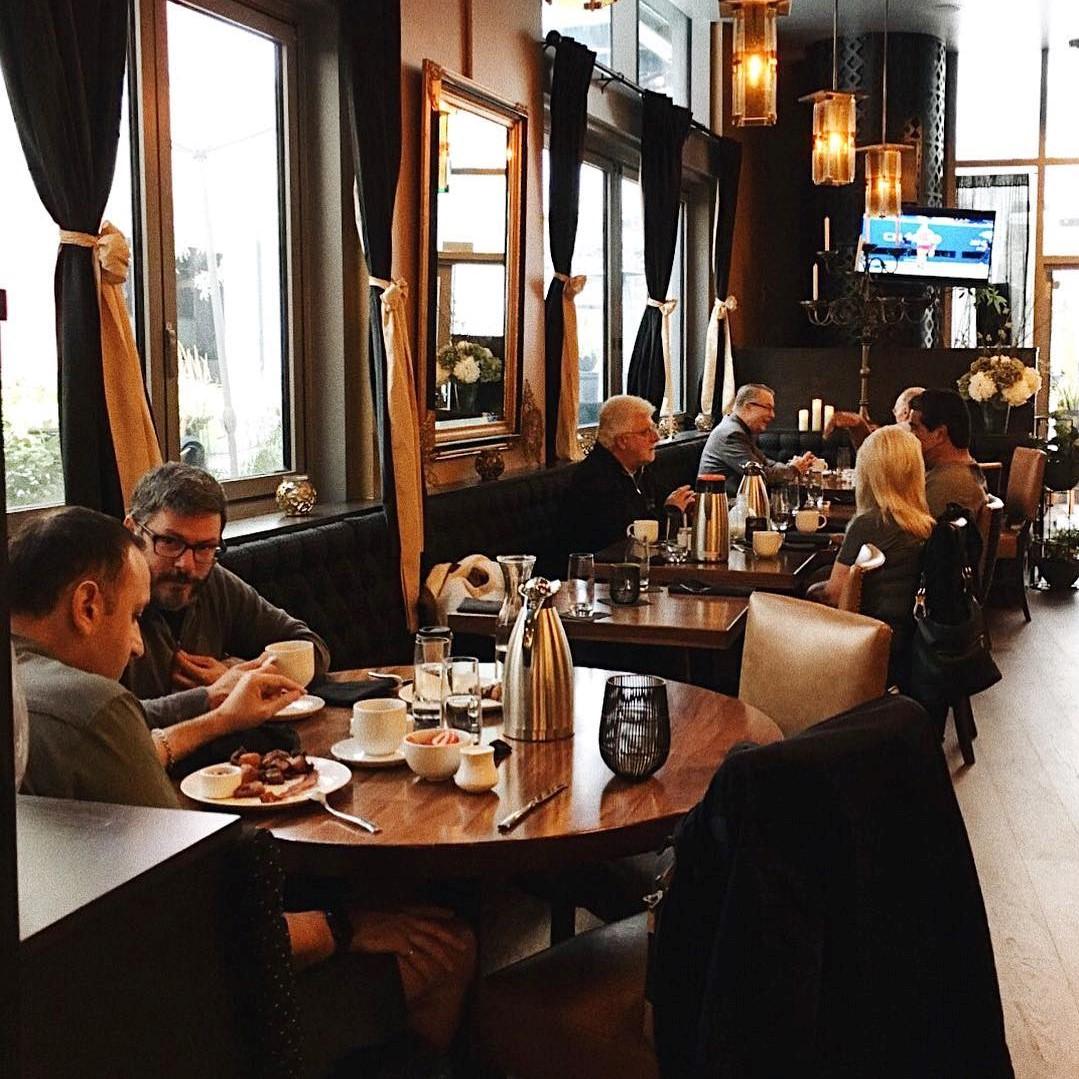 Central Bar + Restaurant
